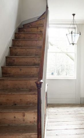d647de968b7368f079443a62cdeee130--farmhouse-stairs-rustic-stairs
